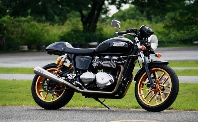 Custom Triumph Thruxton - Gold Rims